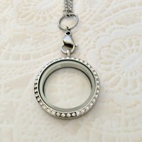 Memory locket large with crystals