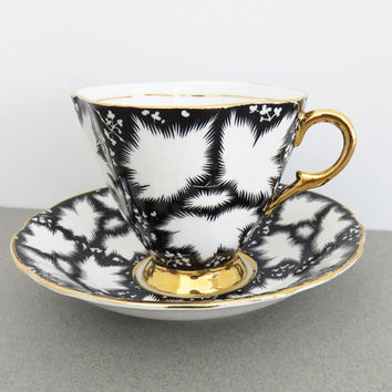 Clarence Bone China black and white tea cup and saucer - Art deco teacup and saucer - English tea set - Excellent condition