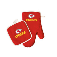 Kansas City Chiefs NFL Oven Mitt and Pot Holder Set