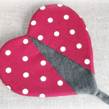 Oven mittens red  white polka dots and dark grey cotton fabric kitchen gloves  Heart shaped hot pot holder