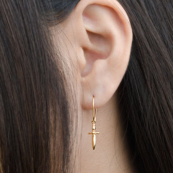 Tiny Dagger Dangle Earrings, Sterling Silver & Gold Plated, Pendulum Earrings, Minimalist Drop Earrings, Modern Jewelry, Gift mom, DGE002