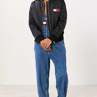 Tommy Jeans For UO 90s Bomber Jacket - Urban Outfitters