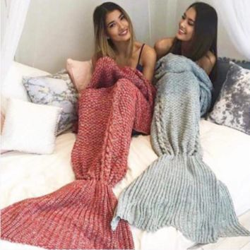 Summer11 Mermaid Party to Be Adored Blanket