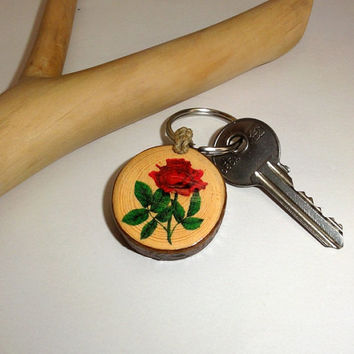Keychain red rose quotes. Key chains. Natural wood, wooden key ring. A rose by any other name would smell as sweet, Romeo and Juliet keyring