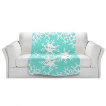 https://www.dianochedesigns.com/sherpa-pile-blankets-zara-martina-let-it-snow-mint.html