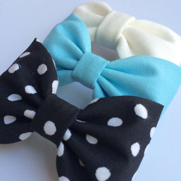 Black and white dot, tiffany blue, and winter white bow lot from Seaside Sparrow.  This Seaside Sparrow set makes a perfect gift for her.