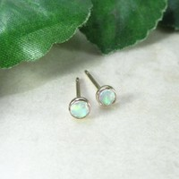 Stud Earrings Gold 4mm White Fire Opal