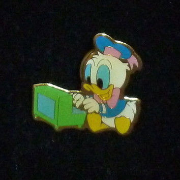 Disney Baby Donald Duck Pin