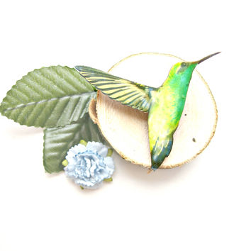 Green Hummingbird Brooch - Bird Brooch, Wooden Brooch, bird pin, Bird badge, laser cut bird, wooden brooch, wooden jewellery, bird jewellery