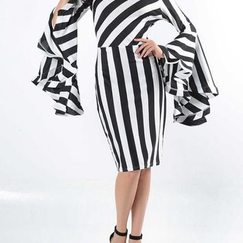 New Black-White Striped Plus Size Bell Sleeve Round Neck Office Worker/Daily Fashion Midi Dress