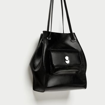 BUCKET BAG WITH FASTENER DETAIL DETAILS