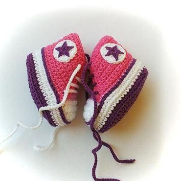 MDIG91W Pink and purple crochet baby sneakers, Pink and purple shoelaces, Baby crochet shoes,