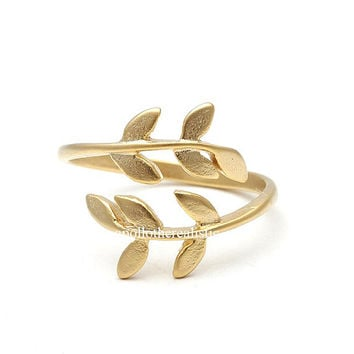 laurel ring, laurel leaf ring, adjustable ring,ring,knuckle ring,laurel adjustable ring, stretch ring,unique ring,womens ring,cute ring