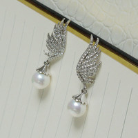 silver wing with a dangle pearl earring,bridal earring,bridesmaid earring