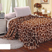 Animal Print Ultra Plush Giraffe Full Size Microplush Blanket