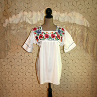 Embroidered Mexican Top Ethnic Clothing White Peasant Blouse Cotton Toucan Parrot Floral Mexican Blouse Medium Large Womens Clothing