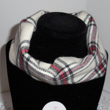 Scarf Bib Red and Black Plaid on Cream Background for Babies Size 4 months- 12 months