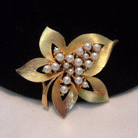 Estate Faux Pearl Cluster Flower Leaf Glass Rhinestone Gold Plate Vintage Pin
