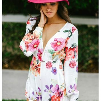 Deep v-neck floral romper | Willow Playsuit | escloset.com