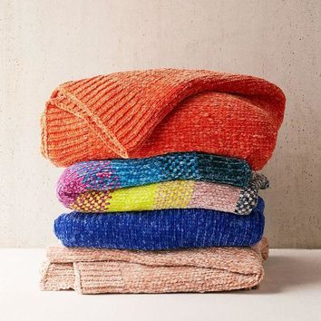 ICIKVE6 Chenille Knit Sweater Throw Blanket | Urban Outfitters