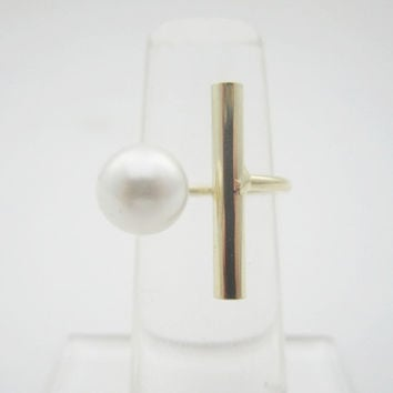 Pearl Bar Ring