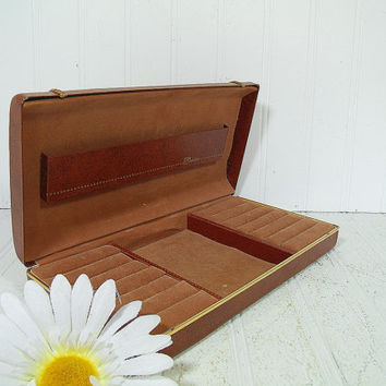 Retro Swank Saddle Brown Metal Clam Shell Travel Jewelry Case - Vintage Tan Velveteen Lined Display Box - Mens Accessories HardShell Storage