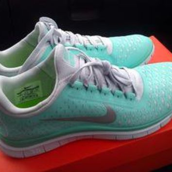 Nike Free 3.0 V4 Womens Running Shoes Size 8 Tropical Twist/Mint Green