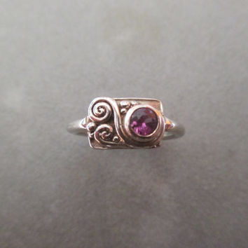 14Kt White Gold Pink Sapphire Solitaire Asymmetrical Ring