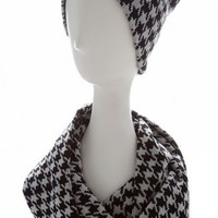 HOUNDSTOOTH PATTERN KNIT INFINITY SCARF AND BEANIE SET