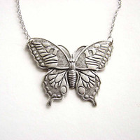 butterfly necklace  - spring summer fashion jewelry