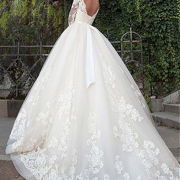 [196.99] Attractive Tulle Bateau Neckline Ball Gown Wedding Dresses With Lace Appliques - dressilyme.com