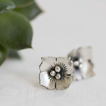 Sterling Silver Dogwood Earrings, Dogwood Jewelry, Silver Flower Earring, Small Dogwood Flower Earring, Silver Flower Earrings, Flower Stud