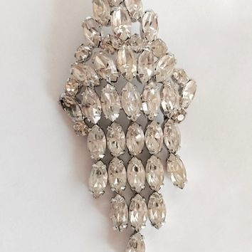 Brilliant Vintage Sparkling Vintage Rhinestone Brooch Pin with Movement Adding to the Dazzle, Bling Pin, Lapel, Purse or Hat Pin