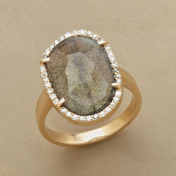 LAVISH LABRADORITE RING