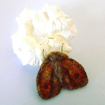 Felt moth brooch / wool felt / brown / orange / needle felt / insect / embroidered / gift / copper / handmade / vintage / art deco style pin