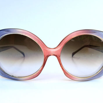 Vintage 1970s two tone blue and pink oversized sunglasses with smoky grey gradating lenses