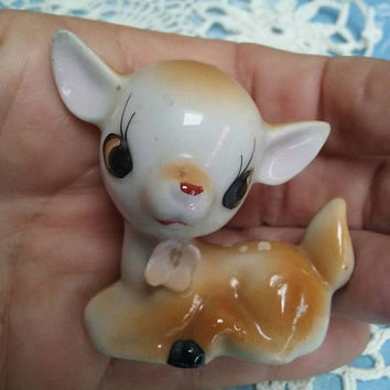 Vintage Bambi Deer Figurine Lying Down Kitsch Fawn Made In Japan Very Cute