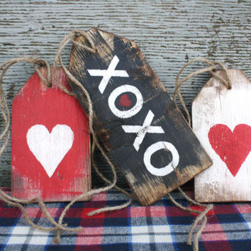 FREE SHIP XoXo Happy Valentine's Day Rustic Distressed Valentine Wood Large Tag Sign Set