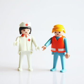 Playmobil nurse and first aid assistant, vintage 1974 Playmobil toys, retro Playmobil figure, first aid decoration, retro nurse decor