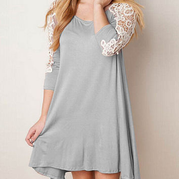 Long-sleeved lace stitching dress