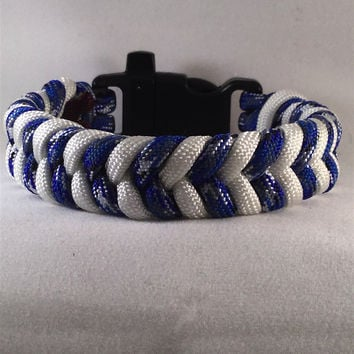 Blue Fin - Fishtail Paracord Bracelet with emergency Whistle Buckle