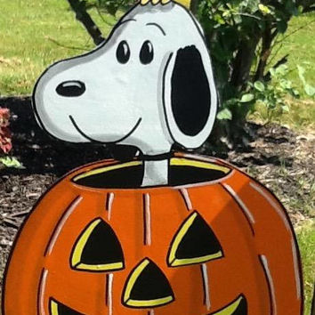 HanPainted Snoopy In Pumpkin-  Halloween Yard Art
