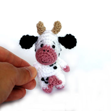 amigurumi cow, tiny cow doll, miniature cow, little cow toy, crochet cow plush, mini cow, cow collectible, dollhouse accessory mini ornament