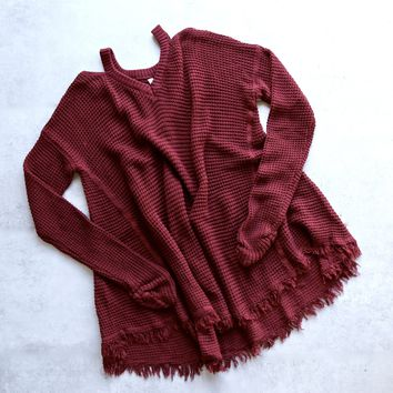 oversize thermal sweater with cold shoulder - burgundy