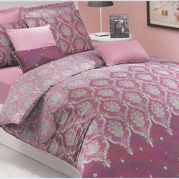 Moroccan Damask Bedding Set in Powder Pink, Dusty Pink, Burgundy, Wine for Queen, Double or Full – 3-piece Set of Duvet Cover & Pillow Cases