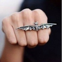 Silver Vintage Antique Gothic Vampire Bat Adjustable Double Ring