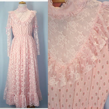 Vintage 70s Prairie Dress / Calico Lace Dress / Victorian Dress / Ruffled Dress