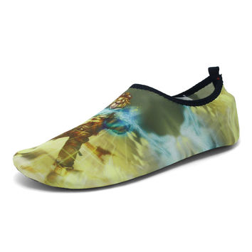 Men beach shoes colorful skid resistance super soft yoga swimming casual outdoor men beach shoes breathable indoor men loafers