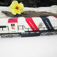 Lionel Train Locomotive 1776 SCL Seaboard Coast Line Bicentennial Patriotic Commemorative Diesel Engine Electric Train Collectible Toy