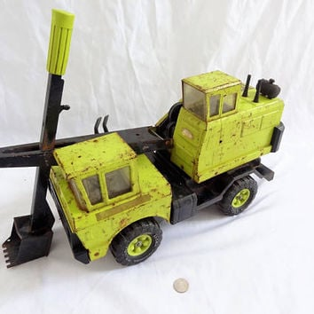 Vintage Tonka truck diesel shovel truck in lime Euclid green old 70s large metal toy 3930